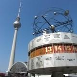 Alexanderplatz w Berlinie - kierując się na zachód od placu możemy iść w kierunku wyspy muzeów oraz ulicy unter den linden