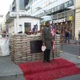 Historyczne przejście graniczne w Berlinie - Border crossing East Berlin and West. The wall. The Cold War.