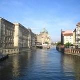Berlin: katedra od strony rzeki